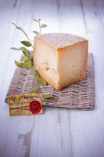 saveurs de sardaigne, fromage pecorino re marmo