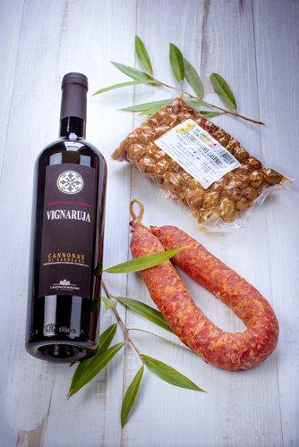saveurs de sardaigne, vins, charcuterie, olives