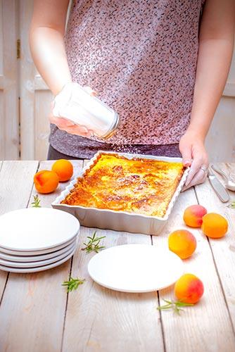recettes prêtes en avance clafoutis aux abricots romarin et sucre glace Companion de Moulinex make ahead recipes