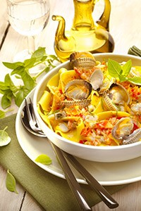 CUISINE_COMPANION-MONTHLY_RECIPES-AUGUST-MEDITERRANEAN_RECIPES-CL-DISH-HOME_MADE_PASTA_WITH_CLAM
