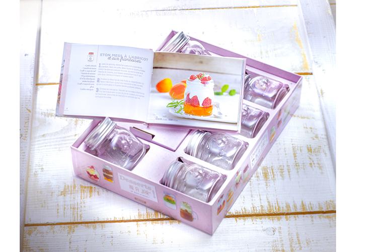 Pour-les-Editions-Larousse-Coffret-Desserts-in-a-jar-25-recettes-a-offrir