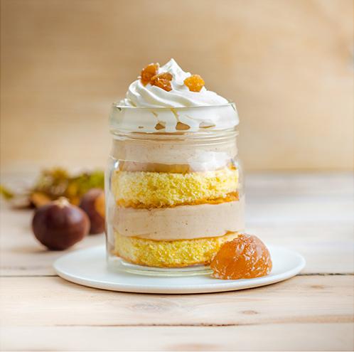 Pour-les-Editions-Larousse-Coffret-Desserts-in-a-jar-genoise-creme-marrons-glaces