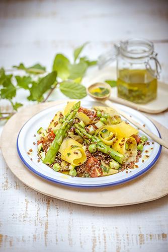 Délicieux petits légumes salade quinoa rouge légumes vinaigrette a la menthe légumes printemps companion moulinex