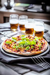 recette idéale pour soirée télé pizza veau haché et sauce tomate miniature dinner recipes