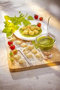 saveurs italie gnocchis maison et pesto companion moulinex italian food miniature
