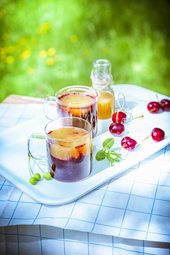 fraicheur des smoothies frais soupe de cerise au jus de melon CHERRY SOUP AND MELON JUICE