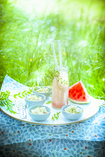 fraicheur des smoothies frais eau de fruits de saison et tartare de daurade FRESH FRUIT WATER AND SEA BREAM TARTAR