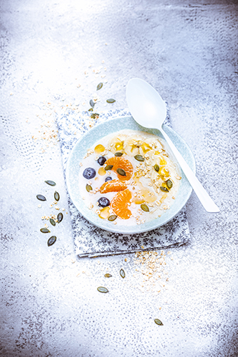 bowl-porridge-mandarine-myrtilles