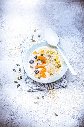 bowl-porridge-mandarine-myrtilles