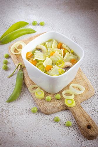 bouillon-de-legume-et-ravioli-recettes-pates