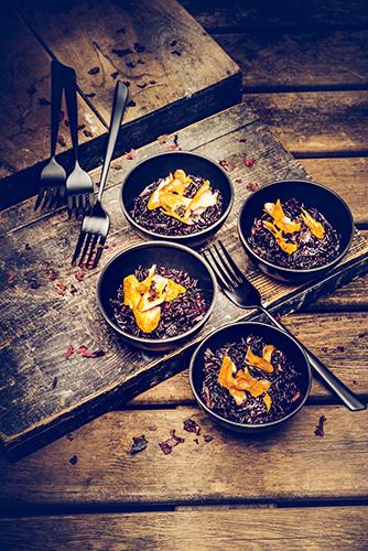 risotto-de-riz-noir-et-eglefin-fume-recettes-speciales-halloween