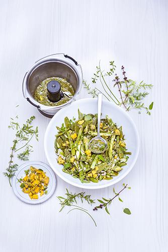 Salade-légumes-verts-vinaigrette-aux-herbes