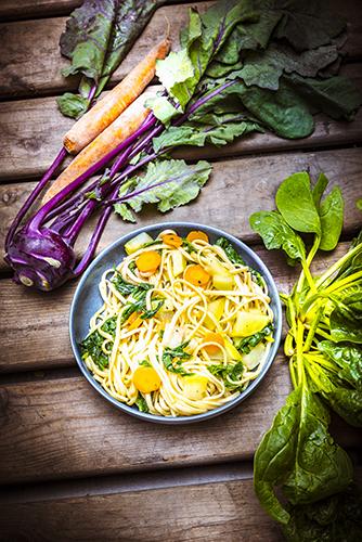 legumes-potager-recettes-zero-dechet-linguine-fane-de-carotte-pissenlit