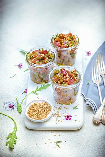 legumes-printemps-recettes-legumes-croquant-tartare-thon-tomate-sechee-recettes-fraicheur
