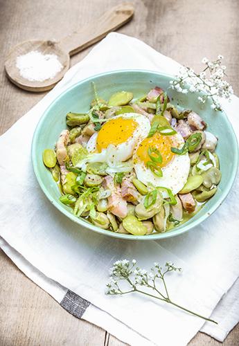 legumes-printemps-recettes-legumes-croquants-feves-lards-oignon-oeuf-mollet