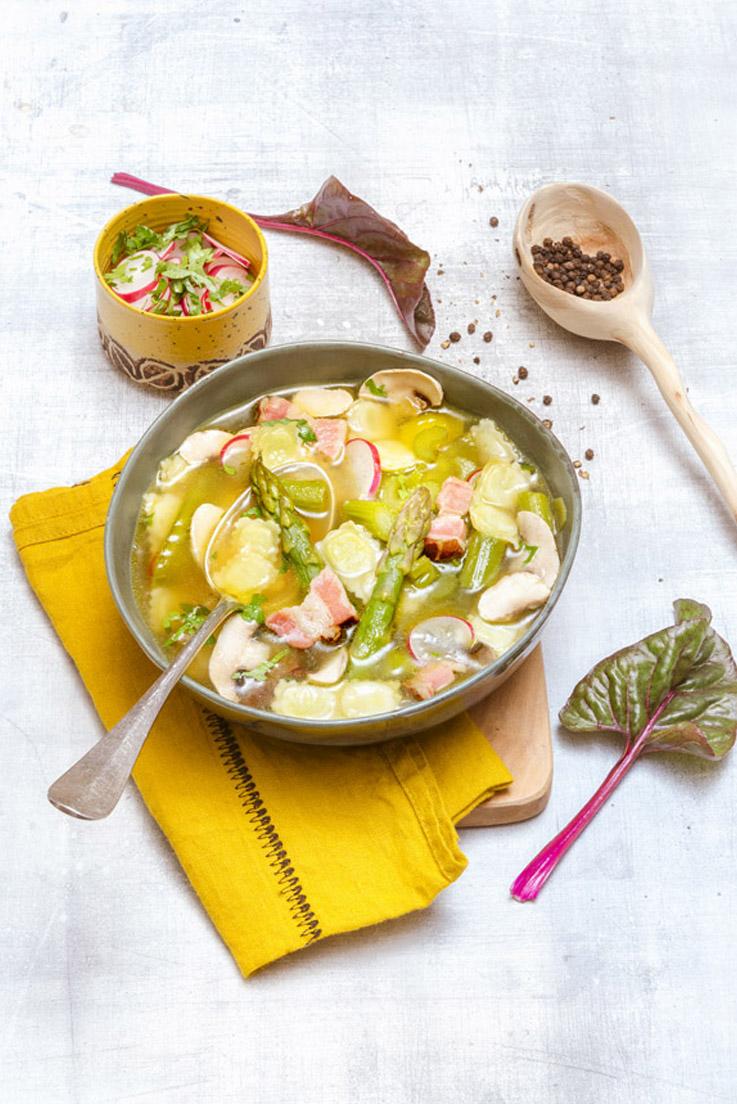 Vite-et-Bon-Saveurs-Thermomix-N-22-ravioles-asperges-bouillon-petits-legumes-01