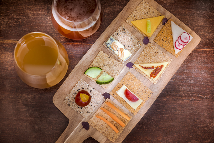 Crackers-Rebon-aperitif-gourmand-planche-bieres-Photographe-professionnelle-Marielys-Lorthios.com