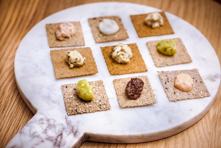 Crackers-Rebon-aperitif-houmous-Photographe-professionnelle-Marielys-Lorthios.com